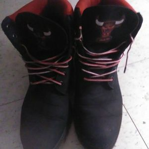 Size 9.5 mens suede Chicago Bulls Timberlands